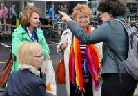 Foto Mechthild Rawert (Bundestagsabgeordnete) im Gespräch