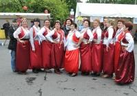 Foto des Projekts Selbsthilfe und Migration e.V. mit bosnischen Tänzen und Gesang